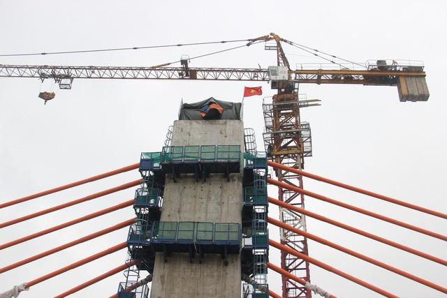 """Một nhà thầu bị """"trảm"""" do thi công chậm tại dự án cầu Bạch Đằng"""