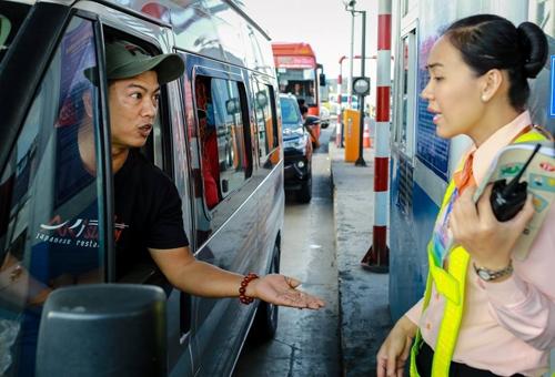 chinh phu yeu cau ra soat vi tri dat tram thu phi bot