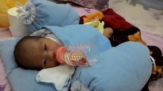 Cứu sống bé sơ sinh bị bỏ rơi trong thùng xốp