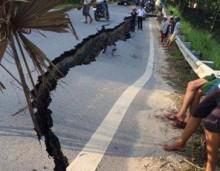 Quốc lộ 32C bị sụt lún nghiêm trọng