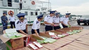 Cảnh sát biển bắt giữ gần 68.000 bao thuốc lá lậu