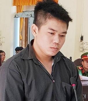 Thanh niên sát hại chú ruột vì dan díu với mẹ mình