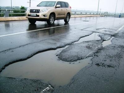 Ôtô, xe máy sẽ đóng phí sử dụng đường bộ từ 2013