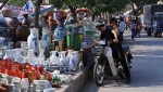 Hà Nội: Dừng, đỗ xe mua hàng vỉa hè sẽ bị xử phạt