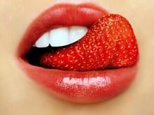 Bạn có biết: Mẹo giữ môi không khô nẻ ngày lạnh