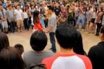 """Giới trẻ Việt """"nhập môn"""" dịch vụ tỏ tình lạ ngày Valentine"""