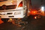 Thoát chết hi hữu nhờ… lọt vào gầm xe tải