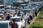 Ùn tắc giao thông đã giảm nhưng còn phức tạp