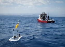 """Schlumberger """"bắt tay"""" Liquid Robotics phân phối thuyền máy thăm dò tự động"""