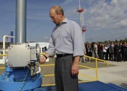 """Hợp tác dầu khí Nga-Trung: """"Tiền trao, cháo múc"""""""