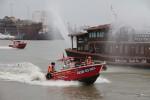 Sở Cảnh sát PC&CC TP HCM diễn tập cứu nạn, cứu hộ trên sông Sài Gòn