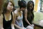 Đột kích quán karaoke, bắt 3 vũ nữ múa cột
