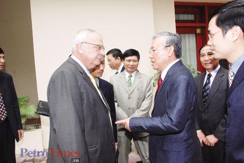 Wikileaks công bố bức điện tối mật về tướng Nguyễn Văn Hưởng