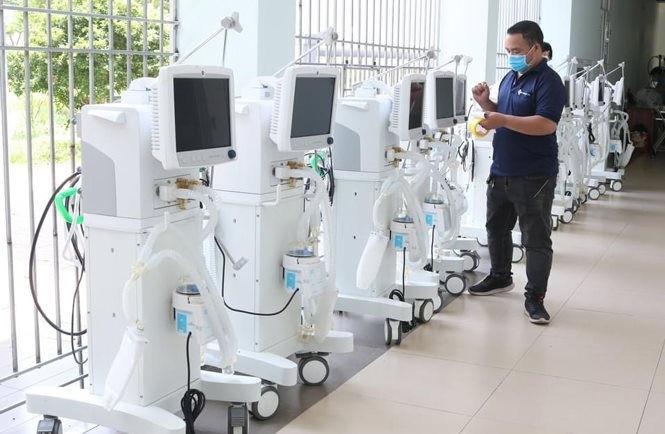 Bộ Y tế tăng cường chi viện nhân sự hỗ trợ phía Nam chống dịch