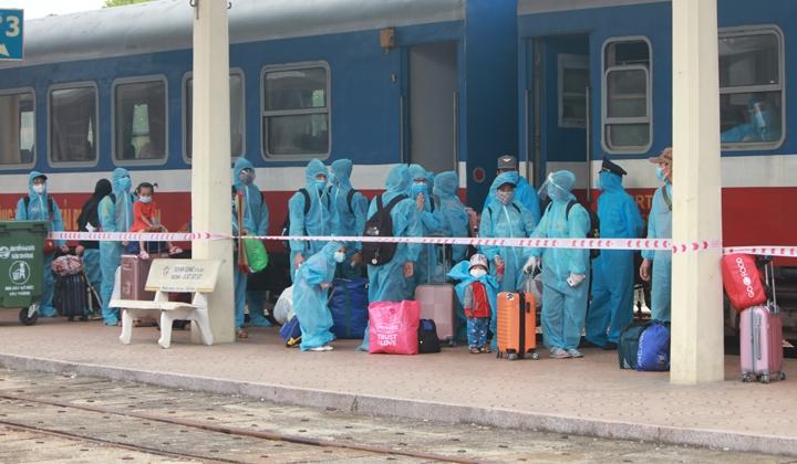 Một số tỉnh thành tạm dừng đón công dân trở về, thực hiện nghiêm chỉ thị 16 của Thủ tướng Chính phủ