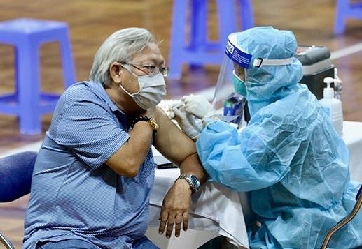TP HCM: Những lưu ý về việc tiêm vắc xin ngừa Covid-19 cho nhóm cần thận trọng