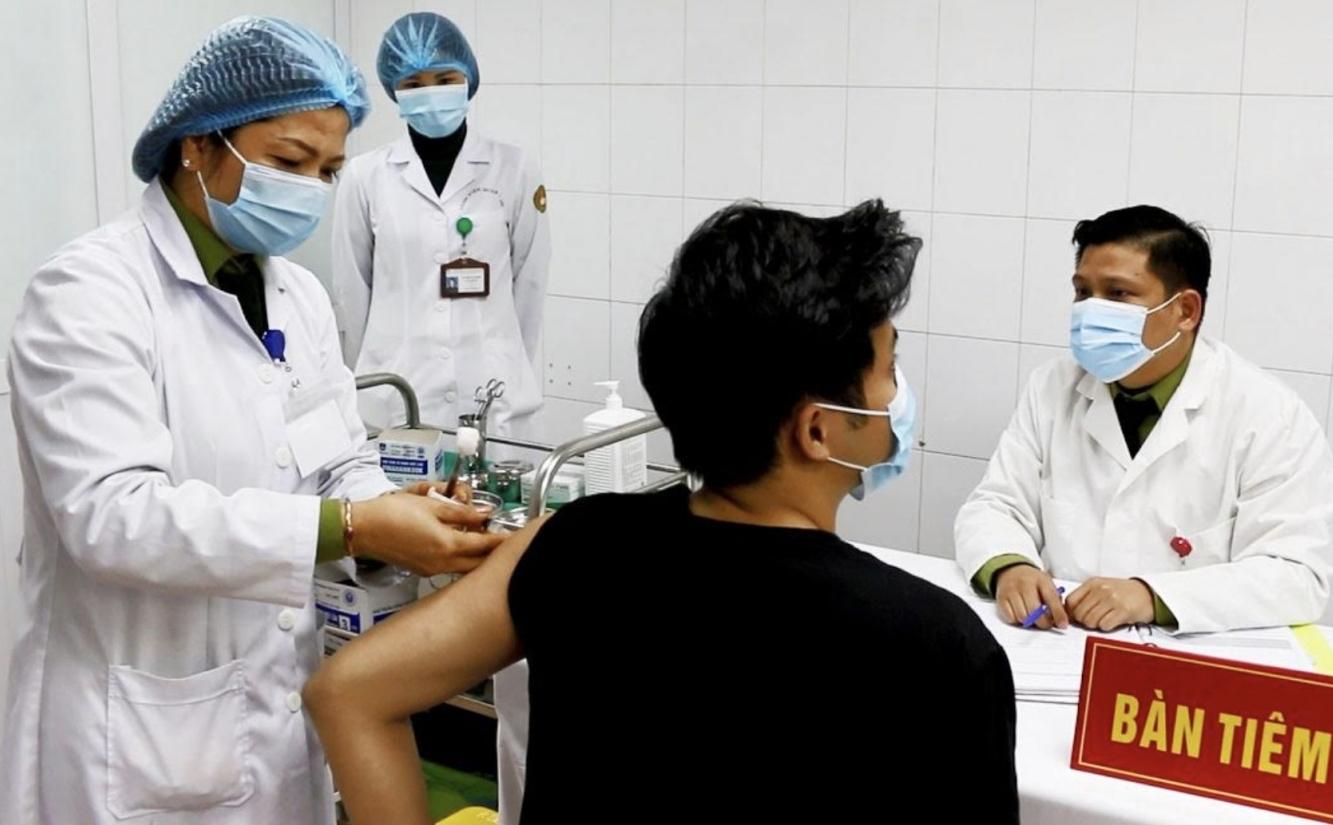 Tin tức Covid-19 ngày 28/8: Thủ tướng yêu cầu Bộ Y tế phối hợp với Bộ GD&ĐT triển khai tiêm vắc xin cho học sinh