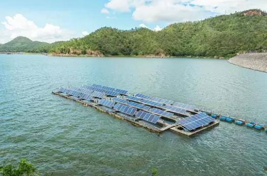 Dự án năng lượng mặt trời nổi lớn nhất thế giới sẽ bắt đầu phát điện trong 2 năm tới