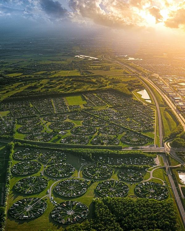 """Khu đô thị """"Ngoài hành tinh"""" của Đan Mạch nhìn từ trên cao"""