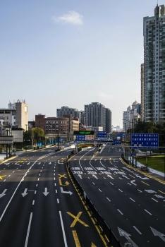 """Thành phố Thượng Hải """" không bao giờ ngủ"""" bỗng thành """"thị trấn ma"""" giữa đại dịch virus corona"""