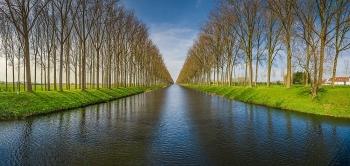 Lịch sử về con kênh mà Napoleon cho đào để tránh đối đầu với Hải quân Anh