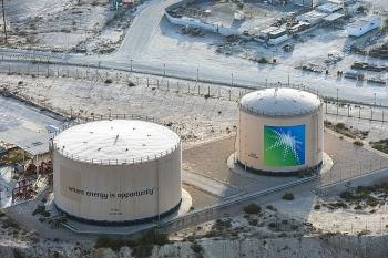 Ả Rập Xê Út tăng giá dầu thô xuất khẩu sang Mỹ và các nước châu Á trong tháng 4