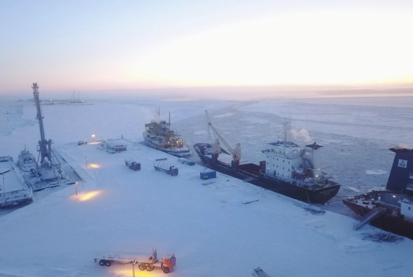 """Bất chấp đại dịch, dự án LNG 2 ở Bắc Cực vẫn """"hút"""" đầu tư """"khủng"""""""
