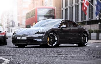 Anh có thể cấm bán ô tô chạy bằng nhiên liệu hóa thạch vào năm 2030