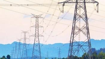 Việt Nam sẽ tăng cường nhập khẩu điện từ Lào để giải quyết tình trạng thiếu năng lượng