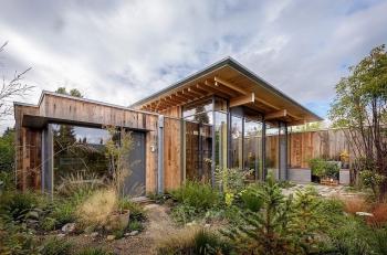 """""""City Cabin"""" – Nơi nghỉ ngơi yên bình giữa thiên nhiên ở ngay trung tâm Seatle, Mỹ"""