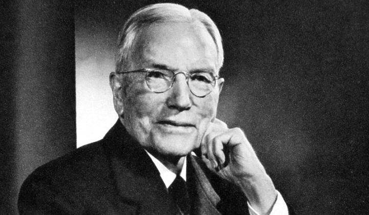 """Giải mã bí quyết làm giàu của """"Vua dầu mỏ"""" Rockefeller"""