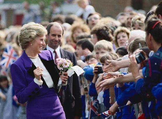 Công nương Diana - Huyền thoại chưa bao giờ có hồi kết