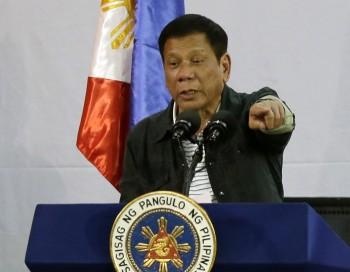 """Philippines cũng không dễ bị """"nắn gân"""""""