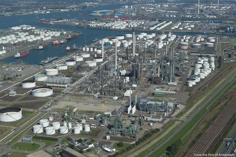 Lại cháy nhà máy lọc dầu ở châu Âu