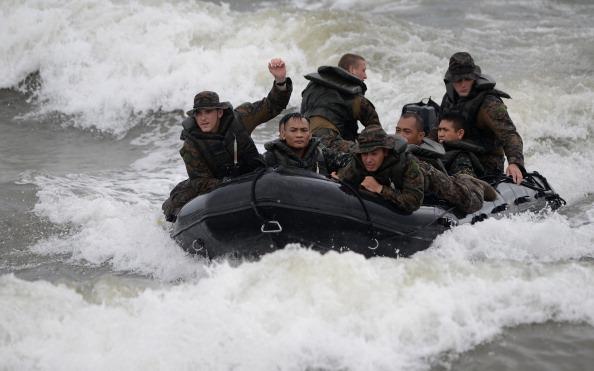 Hình ảnh ngày đầu Mỹ - Philippines tập trận tấn công đổ bộ trên Biển Đông
