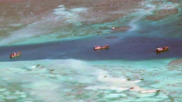 Ngư dân Trung Quốc đang tàn phá rạn san hô ở Trường Sa!