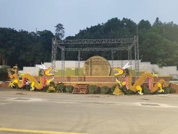 Xuất hiện đôi rồng bằng cam Cao Phong tại đền Hùng