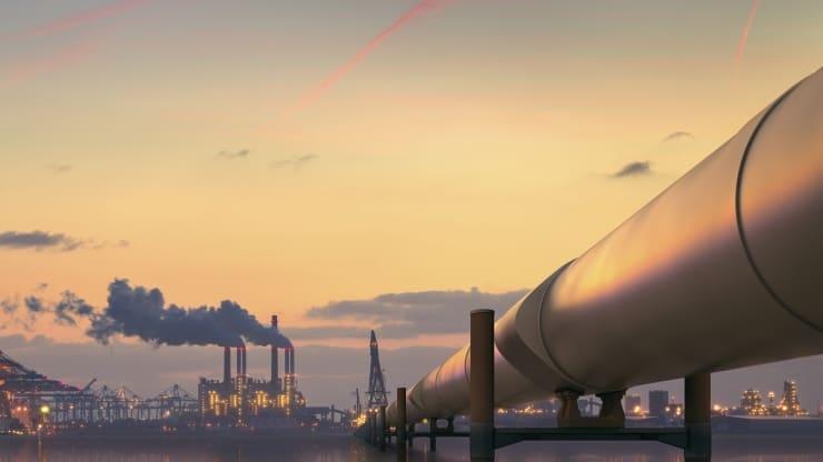 Giá dầu tăng giữa những lo ngại về thiếu hụt xăng