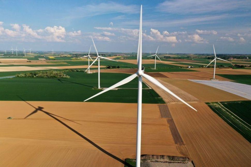 Đầu tư công nghệ sẽ quyết định năng lượng tái tạo tiến hóa hay là cuộc cách mạng