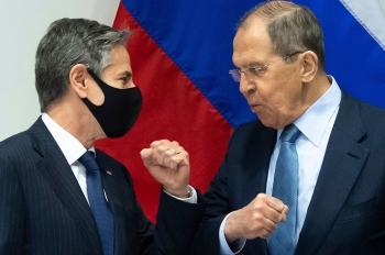 Cuộc đấu khẩu cứng rắn lịch sự giữa hai Bộ trưởng Ngoại giao Mỹ - Nga