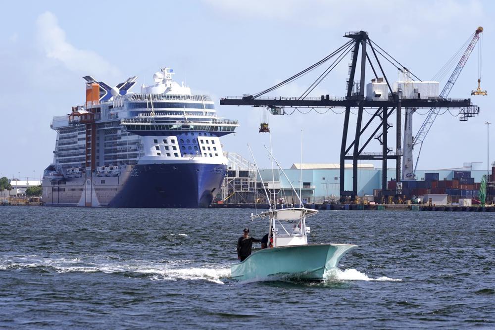 Du thuyền đầu tiên sau đại dịch Covid 19 rời cảng nước Mỹ