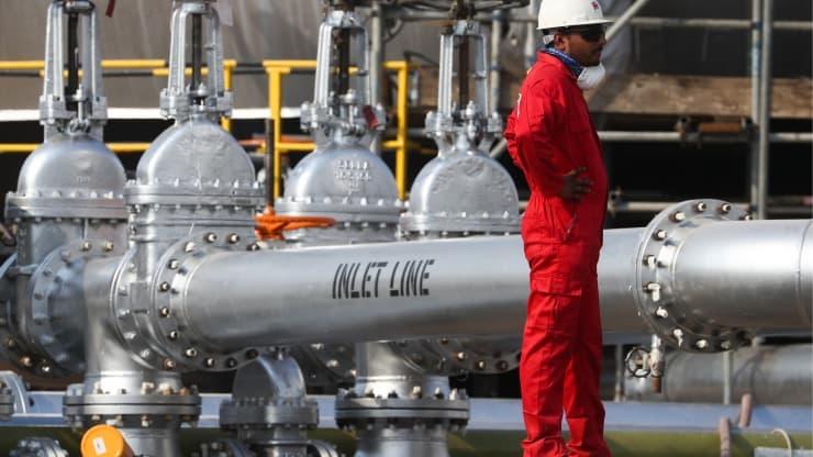 Tin tức kinh tế ngày 28/8: Giá dầu trong tuần tăng 11%