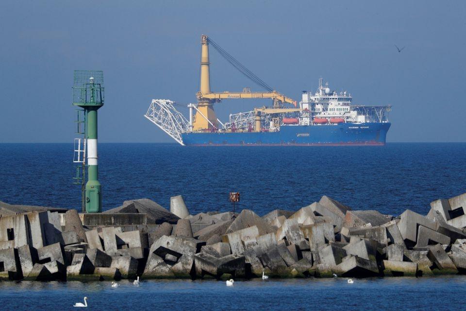 Nord Stream 2: Tàu Akademik Cherskiy đặt đường ống trong vùng biển của Đức