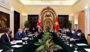 Hội đàm giữa Thứ trưởng Ngoại giao Việt Nam và Quốc vụ khanh Anh về quan hệ đối tác chiến lược