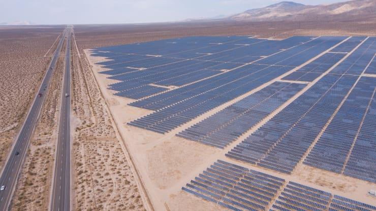 Chính quyền Tổng thống Biden đề ra mục tiêu năng lượng mặt trời chiếm 40%