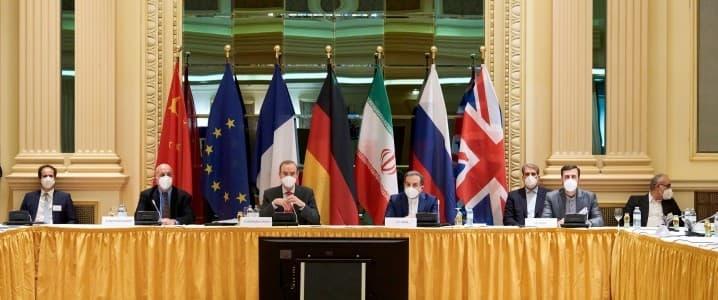 Đàm phán hạt nhân Mỹ-Iran bước vào tháng quyết định và tác động đến nguồn cung dầu toàn cầu