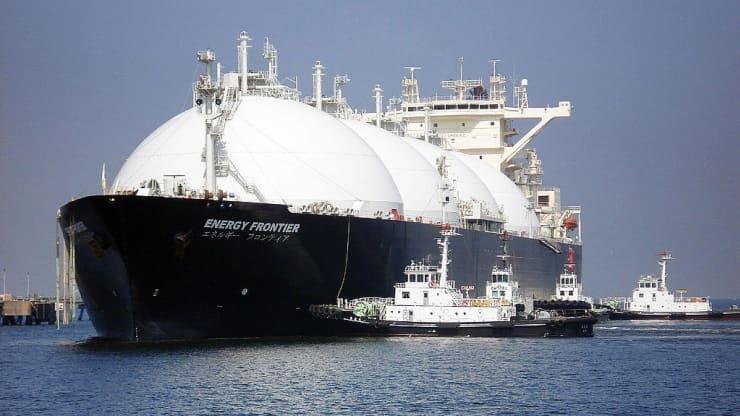 Giá khí đốt tăng kỷ lục làm chậm đầu tư LNG ở châu Á và thúc đẩy xuất khẩu ở Mỹ