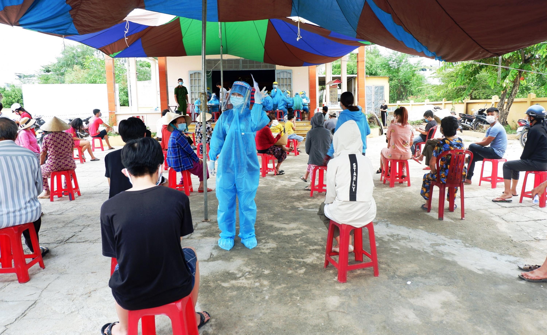 Đà Nẵng đề nghị các tỉnh, thành hỗ trợ nhân lực y tế