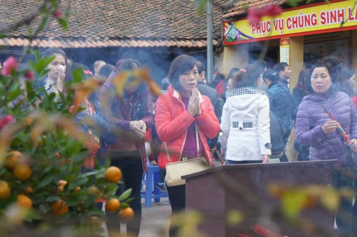 Người Hà Nội đi chùa cầu duyên, giải hạn đầu năm