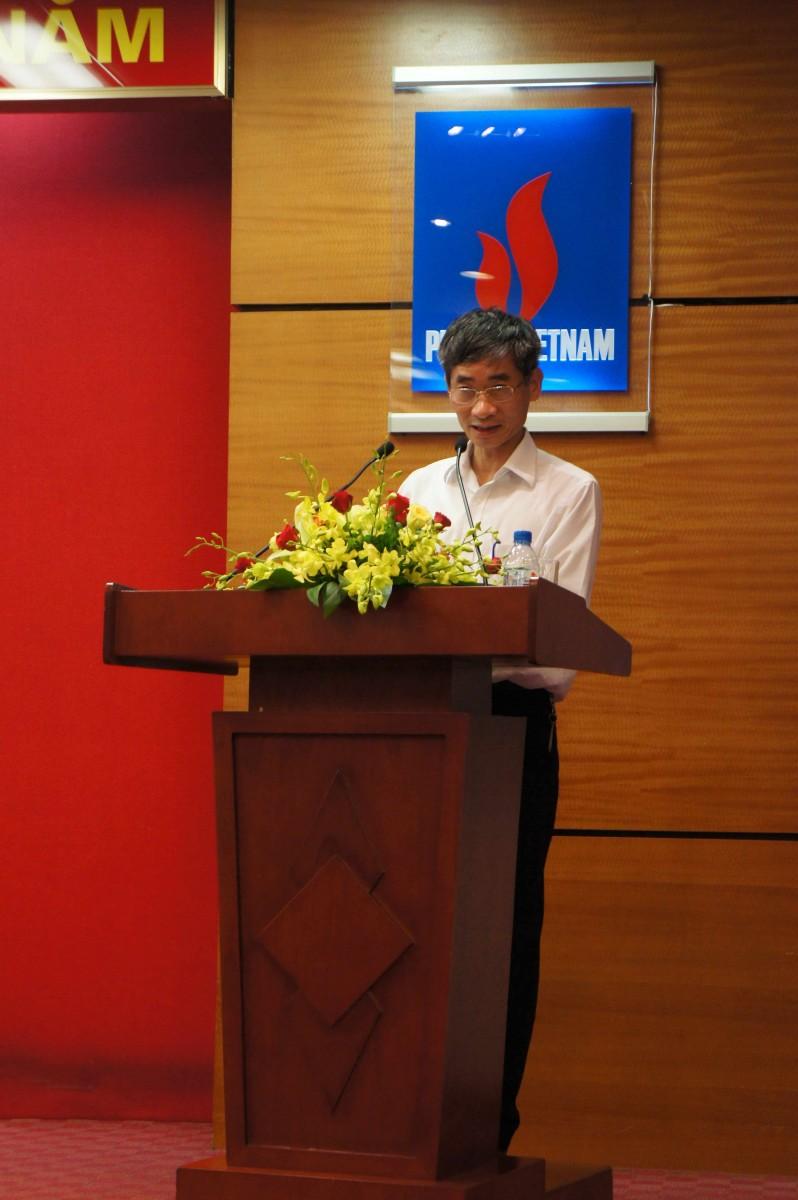 Trưởng ban Tổ chức TLĐ LĐVN Trần Văn Thuật phát biểu tại buổi giao lưu